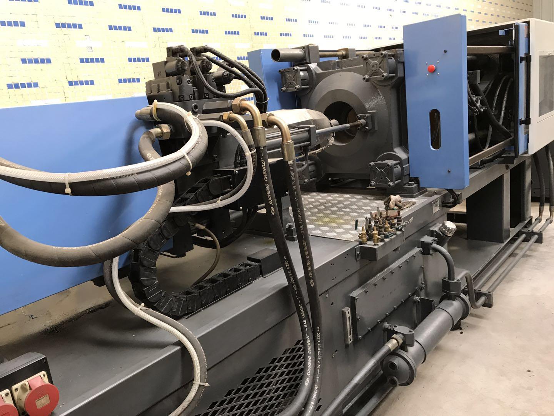 Haitian 200t (servo motor) used Injection Molding Machine